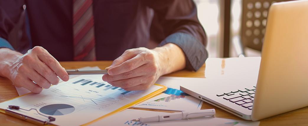 SMARKETING: El factor crítico éxito en marketing digital en la industria financiera
